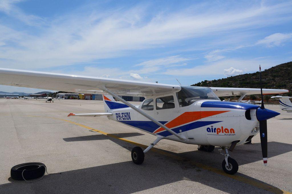 PH EHN Cessna 172